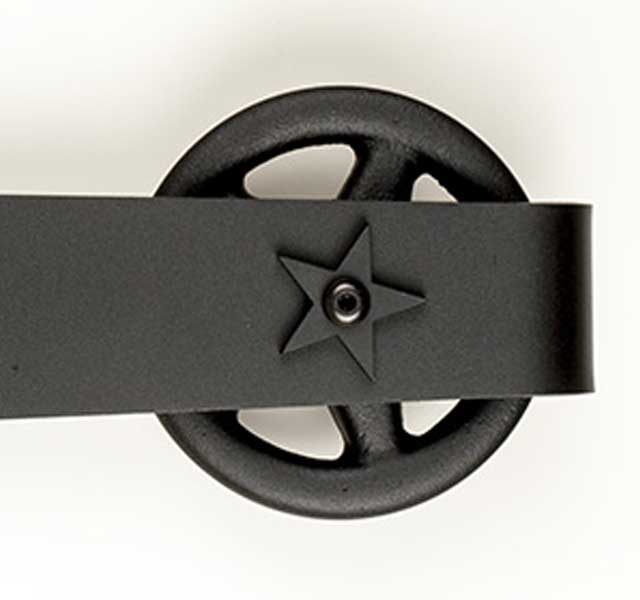 metal hanger wheel detail